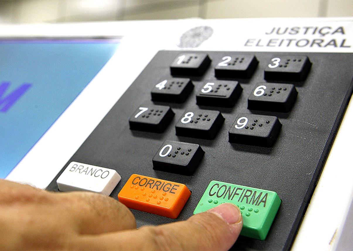 Juiz da 1ª Vara Eleitoral da Capital de SP destaca segurança da urna eletrônica